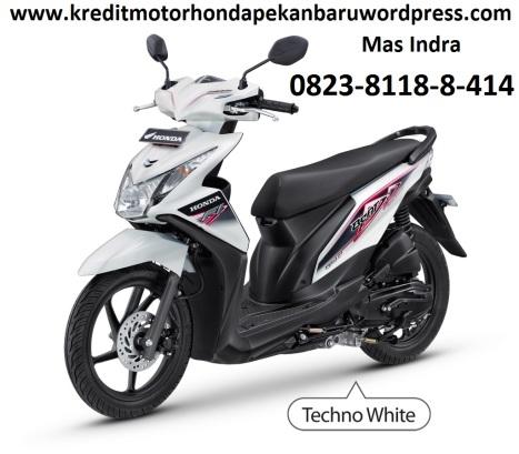 Harga Jual Cash dan kredit sepeda motor honda BeAT-FI CBS Techno White  di Pekanbaru call or SMS Mas Indra 0823 8118 8 414 www.kreditmotorhondapekanbaru.wordpress.com
